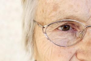 cirurgia da catarata em idosos 50 anos